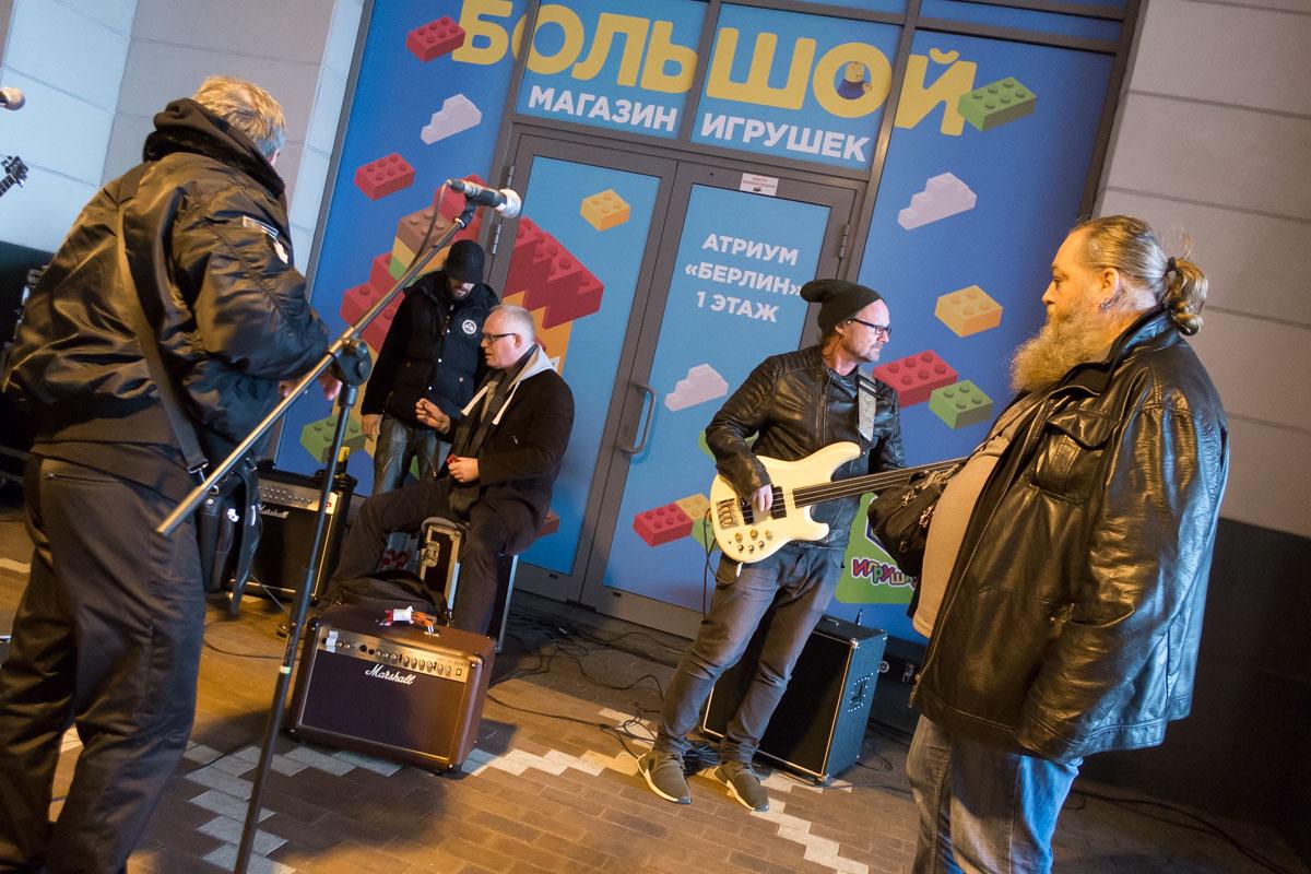 Борис Гребенщиков дал концерт наулицах Калининграда