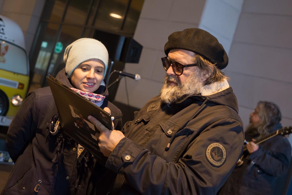 Борис Гребенщиков, ожидая схваченного рейса, выступил перед жителями Калиниграда
